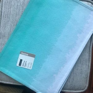 BRAND NEW set of 4 Ombré Placemats